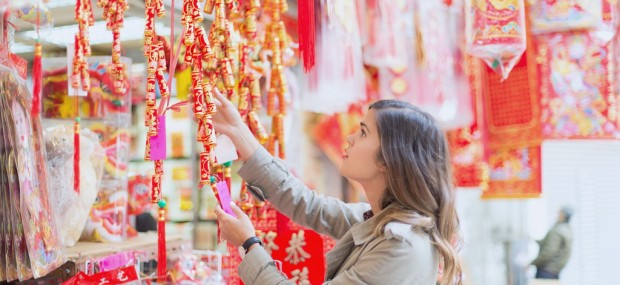 Shopping on Chinese New Year in Hong Kong